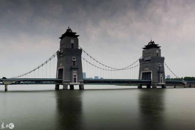 """實拍世界首座""""懸索+塔樓""""景觀橋——揚州萬福大橋,壯觀無比!"""