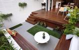 庭院雖小但是很精緻,有防腐木地臺的半下沉式私家花園