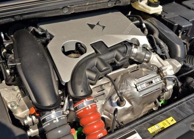 1.6T油耗7L的豪華車,比凱美瑞便宜1W售價