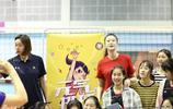 奧運冠軍惠若琪、林莉出席沿海開放城市排球邀請賽開幕式