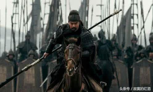 關羽不服要與馬超比武,二爺真能打得過馬超?