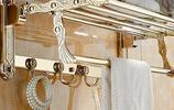看看別人家的浴室,這才叫設計啊!連個小毛巾架都這麼有藝術範