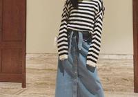 33歲江疏影再現初戀女神裝,條紋衫配牛仔半裙,說她16我都信!