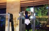 """明星八卦:趙麗穎晒健身照,網友""""難怪這麼美,原來是練出來的"""""""