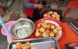 晉南農村有一家四口,趕集時製作的三種特色美食,一天收入七八百