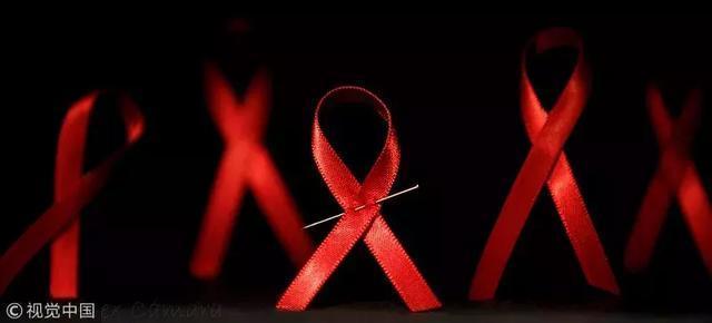 懷孕三個月,女子被查出艾滋病,不顧家人反對生下了孩子