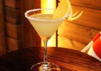 DIY這款雞尾酒是007的最愛,也是雞尾酒的經典款!
