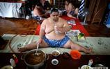 """加入日本國籍的蒙古人!""""相撲火鍋""""是如何保持相撲體重的?"""