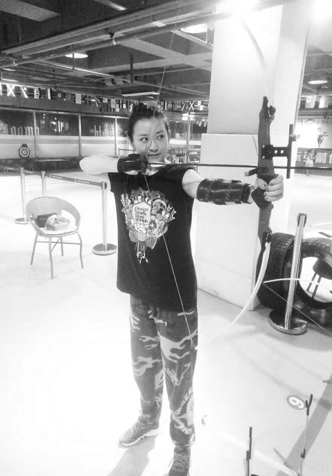 江城女孩學射箭