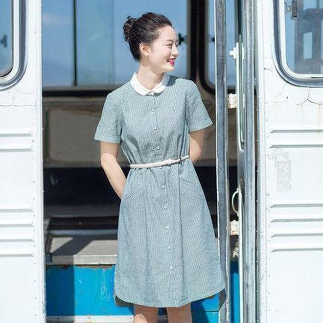 網上這麼多棉麻裙子,就喜歡紅念家的裙裝,簡約時尚,有文藝氣息