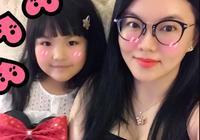 複製粘貼!李湘與女兒甜笑自拍表情一模一樣