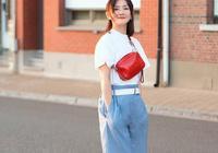 T恤只能搭闊腿褲?辣媽謝娜佟麗婭穿搭好少女,41歲海清最氣質!