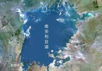 一湖是青海湖15倍大,兩國為爭奪湖水大打出手,結果呢?