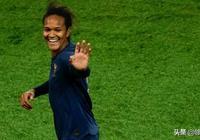 東道主喜獲開門紅,雙響中衛稱讚法國主場球迷:45000人齊唱國歌