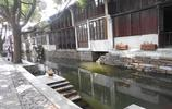 旅途中的風景:周莊古鎮兩岸的青牆黛瓦留存著古鎮歷盡千年的滄桑