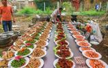 安徽淮北這個農村婚宴有意思,最後一道菜是雞蛋湯,喝完婚宴結束