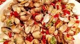 菜市場大部分攤販賣梭子蟹 海鮮魚攤販減少 超一斤帶魚120元一斤