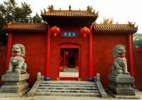粉飾一新的洛陽偃師藏梅寺