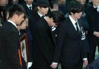 如何評價yeri在鍾鉉葬禮上的行為?