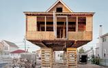 超級風暴過後,新澤西州的居民建起飛屋從廢墟中崛起