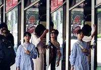 網友春節偶遇田亮女兒,11歲森碟亭亭玉立人群中太顯眼
