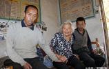 80歲農村老太想讓50歲智障兒子結婚,說那樣會安心,如今怎樣了