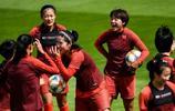 中國女足球員輕鬆備戰世界盃,八分之一決賽中國對陣意大利