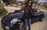 巴基斯坦富人的奢華生活,住宅如皇宮,開豪車上貴族學校
