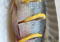 鱸魚新做法檸檬味的醬汁檸檬鱸魚