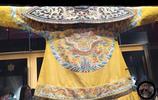 """故宮清代文物實拍:圖五是皇帝朝珠,圖七是""""大清嗣天子寶金印"""""""