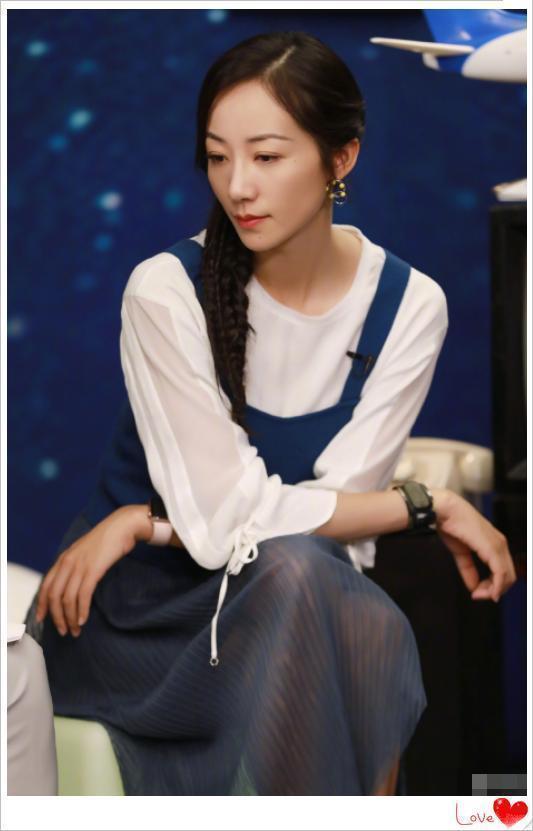 35歲韓雪穿婚紗照如天仙下凡,美到骨子裡的女人,很惹人注目!