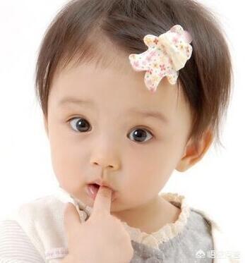 孩子兩歲七個月了,不會說話,有時候會喊爸爸,媽媽,拜拜,檢查結果沒事,怎麼回事?