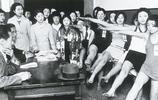 日本老照片:80多年前的藝考生漂亮嗎?東京街頭有多時尚?