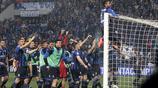 真藍黑?亞特蘭大112年來首獲歐冠資格,隊員爬上球門慶祝