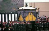 老照片:昭和天皇出殯場景,日本最長壽以及在位時期最長的統治者!