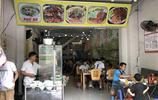 """在胡志明市吃頓""""越南米粉"""",兩碗也才30多元,大塊牛肉不少給!"""