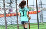 足球妹子:葡萄牙C羅球服