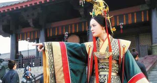 此女人比呂雉、武則天、慈禧都厲害,堪稱封建時代后妃掌權的鼻祖