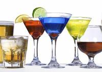 一男子喝自釀荔枝酒中毒,自釀果酒的這些風險,你瞭解多少?