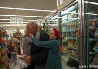 奶奶和她閨蜜愛上同一人,三人的幸福晚年,老爺子是我的榜樣!