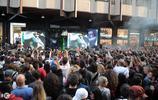 貝克漢姆轉行做商人,新店開業,成千上萬的粉絲瘋狂支持