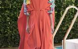 Emilio Pucci系列時裝充滿夏日風情的抽象印花構造出迷人度假氣息