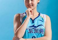 廣東女籃奪冠,廣東男籃的孟鐸表示自己是冠軍家屬了,這是什麼情況?