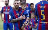梅西長子對足球無愛,去觀戰只為陪蘇神兒子,迷你羅卻沉迷足球