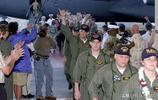 罕見照片,撞毀81192的美國海軍EP3機組,回國後成了英雄