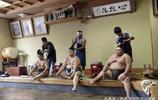 日本相撲幕後的真實生活