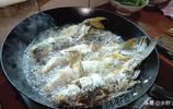 年三十吃團圓飯啦!秋子下廚做美食,一大家子人吃得真開心