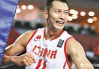 中國男籃VS韓國,比賽結束後,為什麼易建聯卻一個人蹲在地上抱著球沒有參加慶祝?