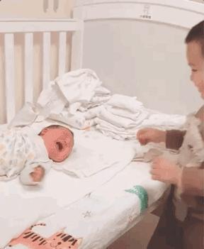 叫你生二胎!二胎媽媽真實生活曝光,笑著笑著就哭了……