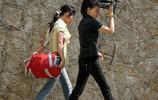 澳門街拍也風情:城市景觀中的人,著名攝影家樑達明在南國亮絕活